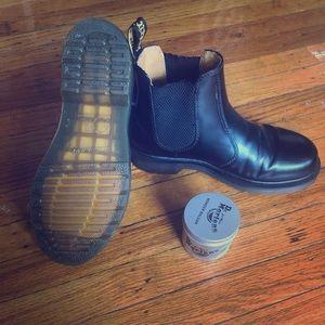 Dr. Marten's Women's Flora Boots Non-Slip size 7